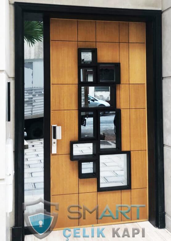 Villa Giriş Kapısı Delorean