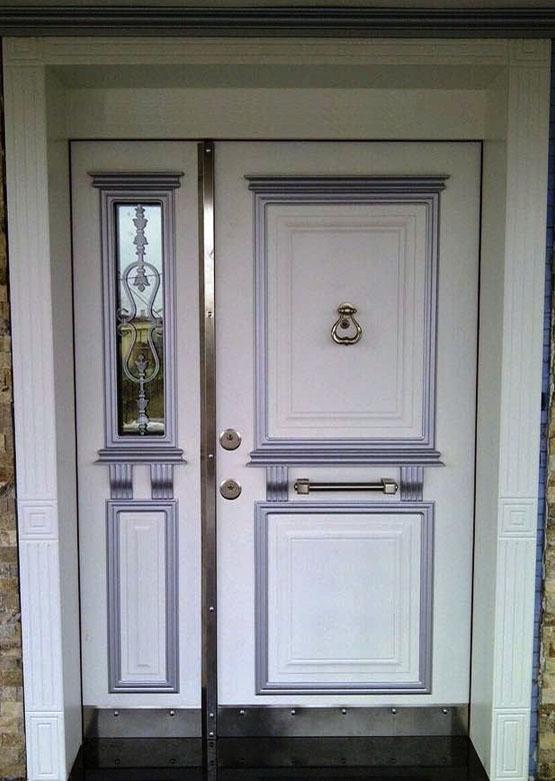 Beyaz Villa Giriş Kapısı APT38