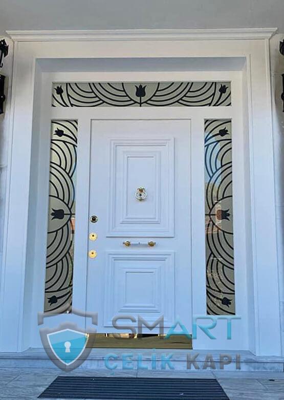 Beyaz Villa Kapısı Özel Desenli Angel