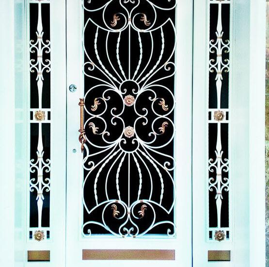 İstanbul Sarıyer Kompakt Lamine Kompozit Kasalı Villa Kapısı
