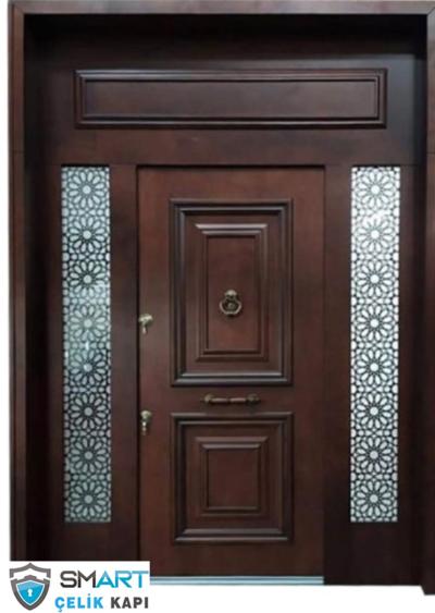 ceviz renkli villa kapısı