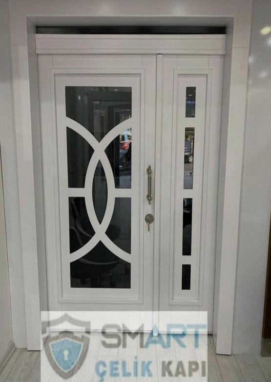 Beyaz Ahşap Villa Kapısı YHY 0315